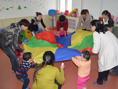七彩阳光幼儿园亲子班开班啦